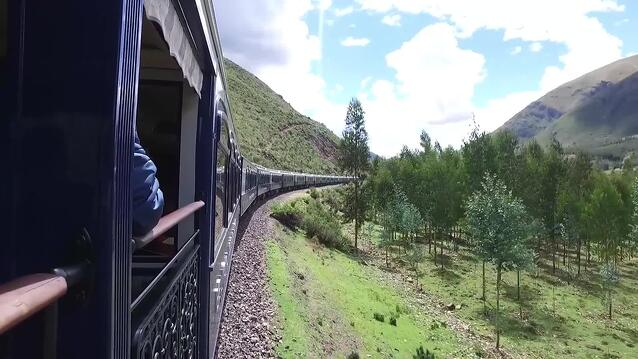 cntraveler_train-ride-through-the-peruvian-andes.jpg