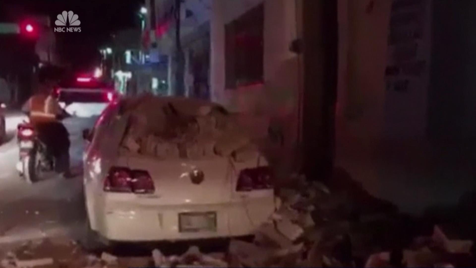 f_mexico_quake_bowling_170908.jpg